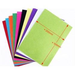 Fetru asortat      10 culori asortate     10 bucati     dimensiuni: A4     grosime aproximativ 1 mm     material: pasla ( fetru